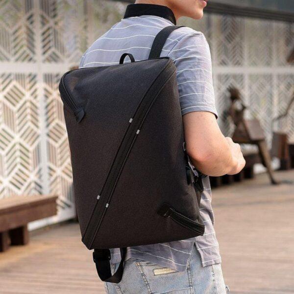 Многофункциональный вместительный рюкзак UNO bag c выходом для USB и наушников
