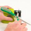 Электрическая точилка для ножей и ножниц Swifty Sharp от батареек 42250